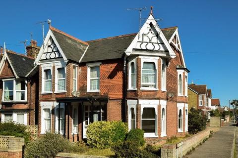 1 bedroom ground floor flat for sale - Mickleburgh Hill, Herne Bay