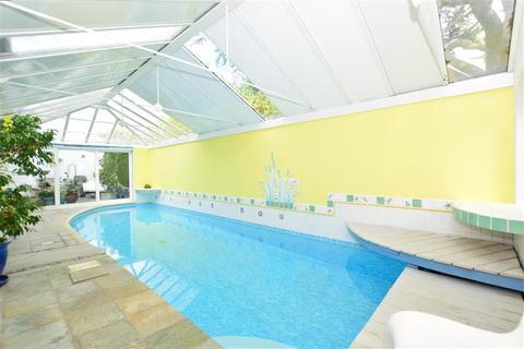 5 bedroom detached bungalow for sale - Harold Road, Minnis Bay, Birchington, Kent