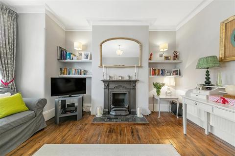 2 bedroom flat for sale - Queenstown Road, SW8