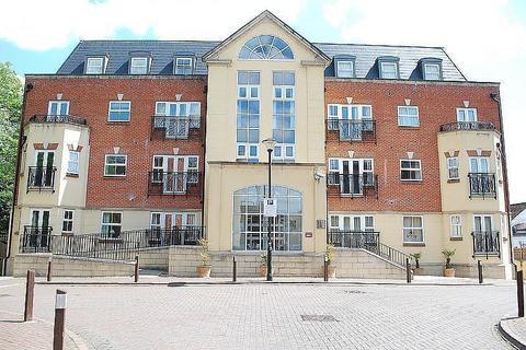 2 bedroom flat to rent - Elmers Court, Post Office Lane, Beaconsfield, HP9