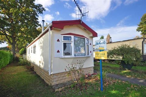 2 bedroom park home for sale - Shipbourne Road, Tonbridge, Kent