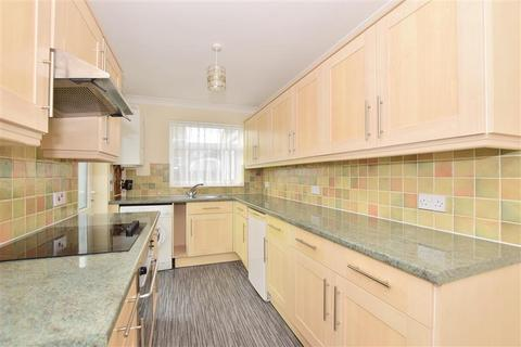 2 bedroom detached bungalow for sale - Cliff Gardens, Minster On Sea, Sheerness, Kent