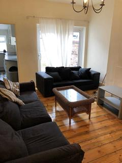 6 bedroom terraced house to rent - Burton Road, Withington