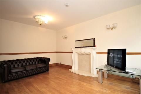3 bedroom terraced house to rent - Alpha Grove, London