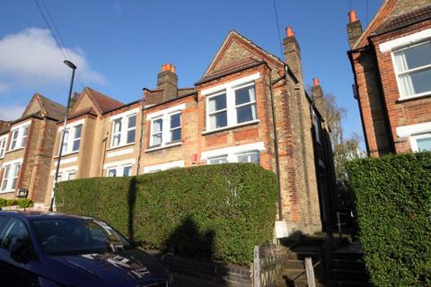 2 bedroom maisonette for sale - Montem Road, London SE23