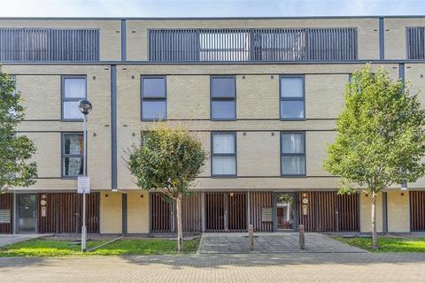 2 bedroom flat for sale - Gunton Mews, Nightingale Grove, London