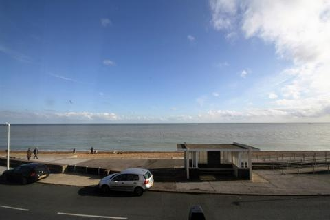 4 bedroom end of terrace house to rent - The Marina, Deal
