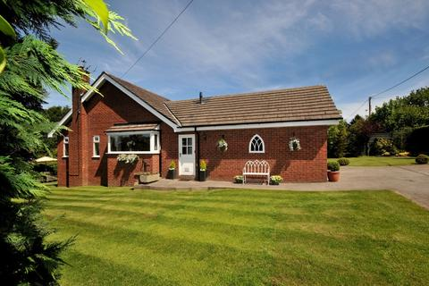 4 bedroom bungalow for sale - Wood Lane South,  Adlington, SK10