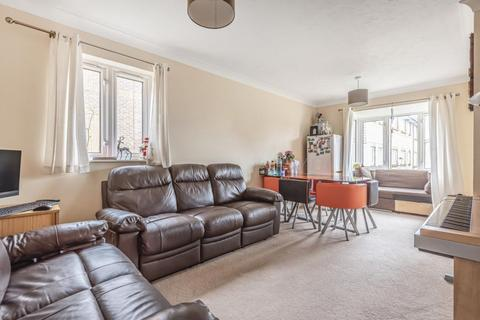 2 bedroom flat for sale - York Place York Road, Camberley, GU15
