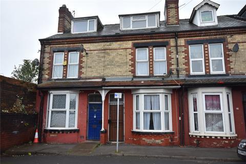 3 bedroom terraced house for sale - Ashley Terrace, Harehills, Leeds