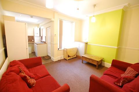 5 bedroom end of terrace house to rent - Crookesmoor Road, Crookesmoor