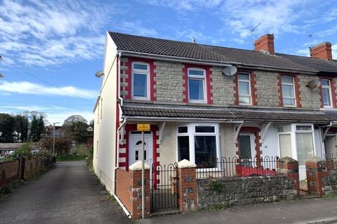 3 bedroom end of terrace house for sale - Sunnyside Road Bridgend CF31 4AF
