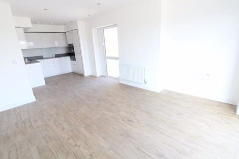 1 bedroom flat to rent - Brooklands Court- Kimpton Road ref P10621