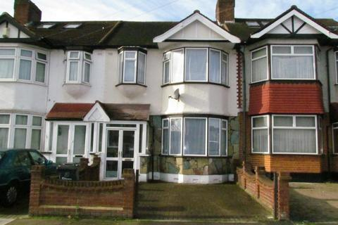 3 bedroom terraced house to rent - Hathaway Gardens, Chadwell Heath