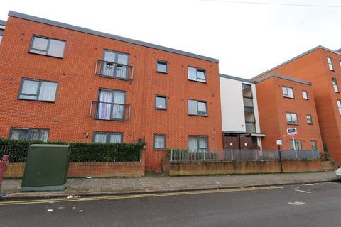 2 bedroom flat for sale - Grant Road, Harrow, HA3