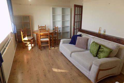 2 bedroom flat to rent - Penlan Crescent, Uplands