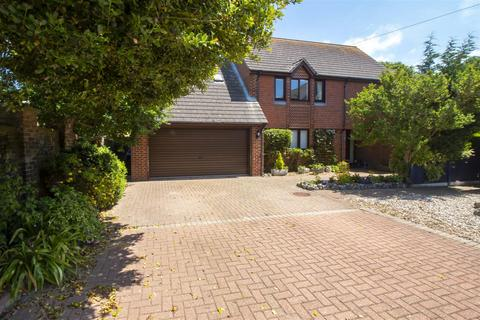 4 bedroom detached house for sale - Dominic Court, St. Peters, Broadstairs