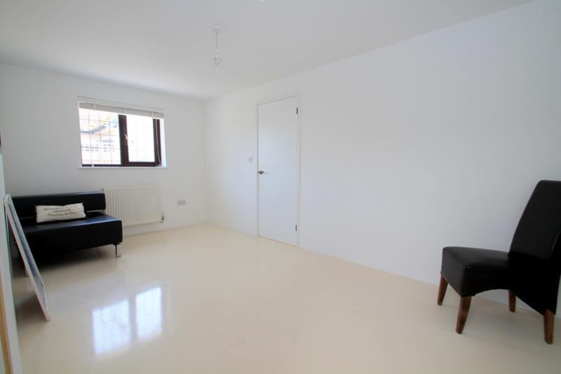 Bedroom 2 (GF)