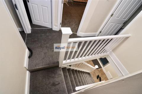 5 bedroom semi-detached house to rent - Leagrave road , luton LU3