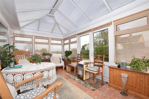 2 bedroom detached bungalow for sale - Westway, Coxheath, Maidstone, Kent