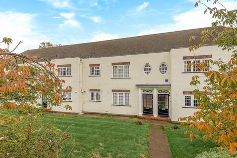 3 bedroom flat for sale - Lock Chase, Blackheath