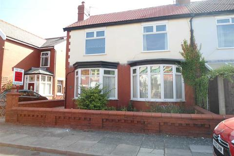3 bedroom semi-detached house to rent - Vernon Avenue, Blackpool
