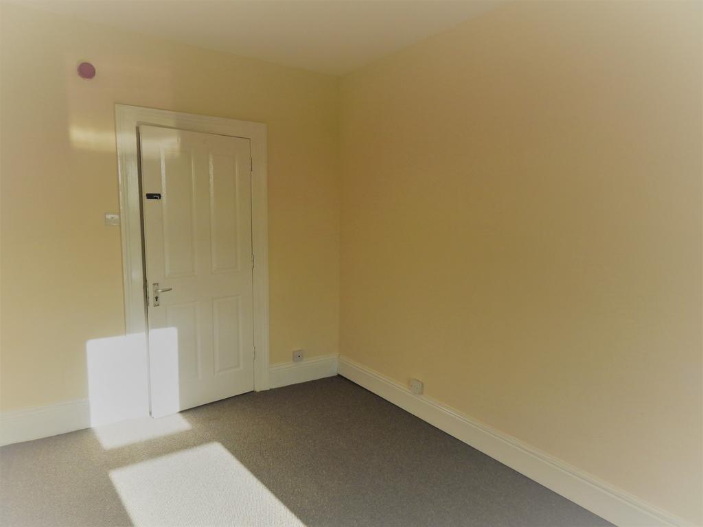 Dining Room/Bedroom 33