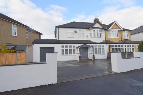 5 bedroom semi-detached house for sale - Colborne Way, Worcester Park, KT4