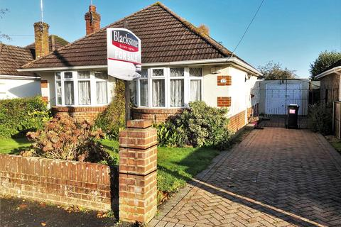 2 bedroom bungalow for sale - Milford Drive, Bear Cross, Bournemouth, Dorset, BH11