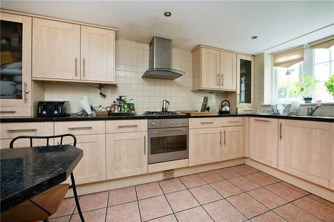 3 bedroom maisonette for sale - Borrett Close, London, SE17