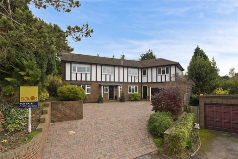 5 bedroom detached house for sale - Trystings Close, Claygate, Esher, Surrey, KT10