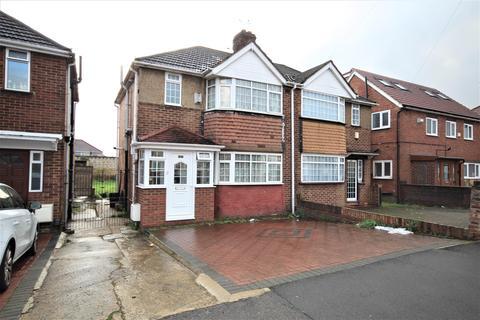 3 bedroom semi-detached house for sale - Laburnum Road, Hayes, UB3 4JZ
