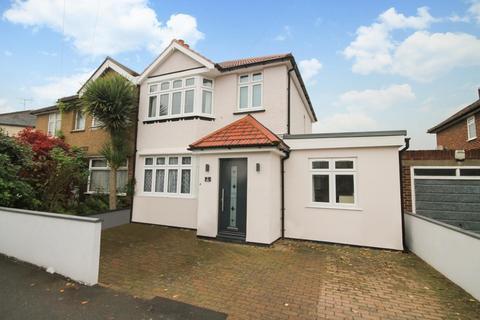3 bedroom semi-detached house for sale - Sherringham Avenue, Feltham, TW13
