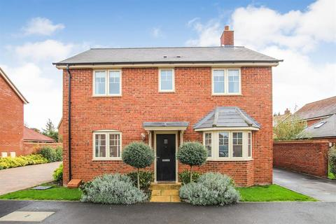 3 bedroom detached house for sale - Chapel Drive, Aston Clinton