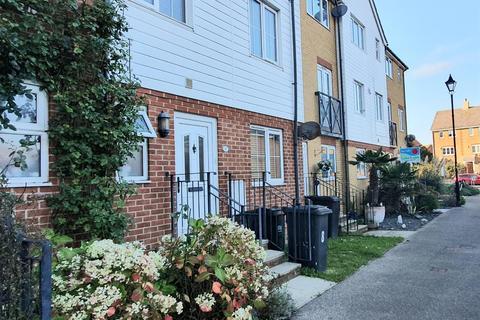 1 bedroom house share to rent - Macquarie Quay, Eastbourne