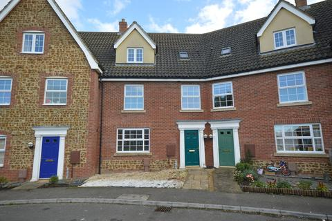 4 bedroom terraced house for sale - Deas Road, South Wootton