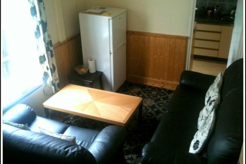 3 bedroom flat to rent - Pershore Road ,Selly Park,Birmingham,