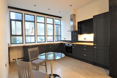 2 bedroom apartment to rent - Union Road, New Mills, High Peak, Derbyshire, SK22 3EL