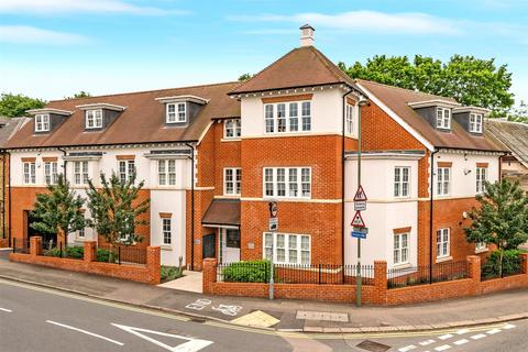 2 bedroom flat to rent - Friary Court, 48 Croydon Road, Reigate, Surrey, RH2