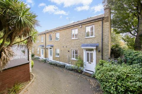2 bedroom mews to rent - Carlyle Mews, London E1