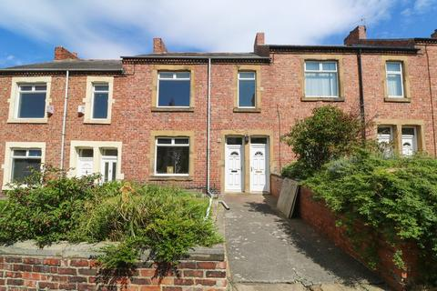 3 bedroom apartment to rent - Axwell Terrace, Swalwell