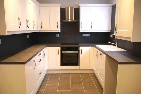 2 bedroom semi-detached bungalow to rent - Hall Place, Inveraldie,