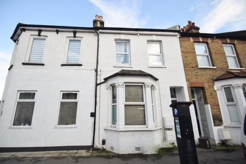 1 bedroom property to rent - Haydons Road