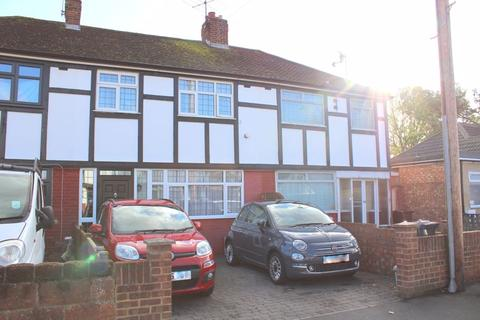 3 bedroom terraced house for sale - Dorchester Drive, Bedfont
