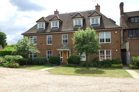 2 bedroom apartment to rent - Meade Court, Walton on the Hill, Tadworth, KT20