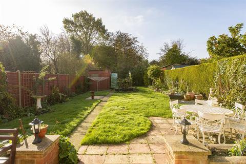 4 bedroom detached bungalow for sale - Hartlip Hill, Hartlip, Sittingbourne