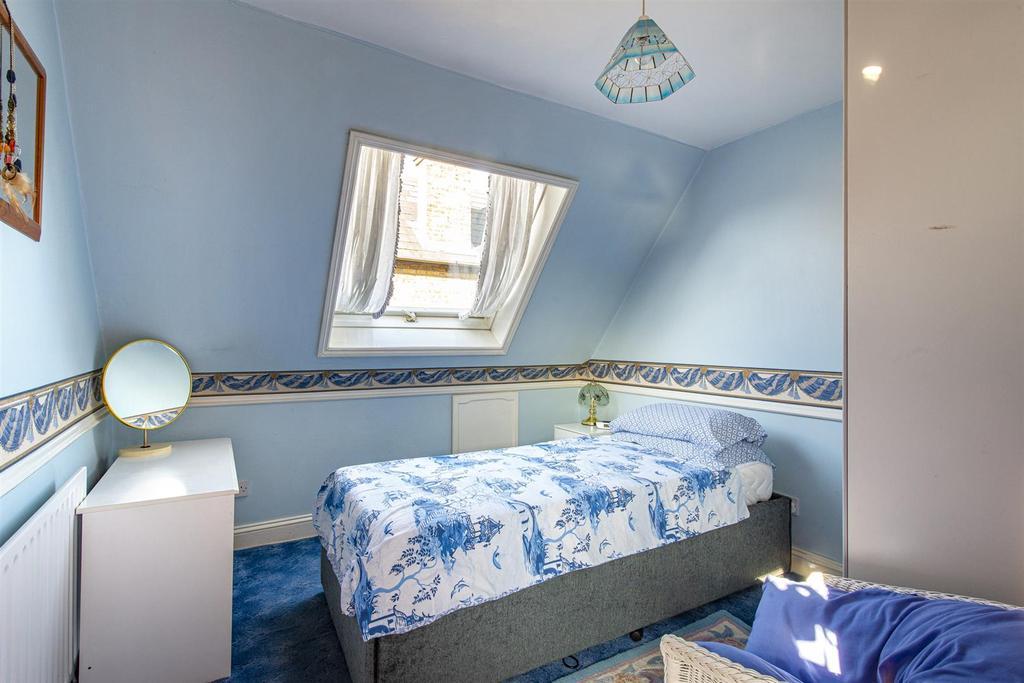Hartlip Hill bedroom3.jpg