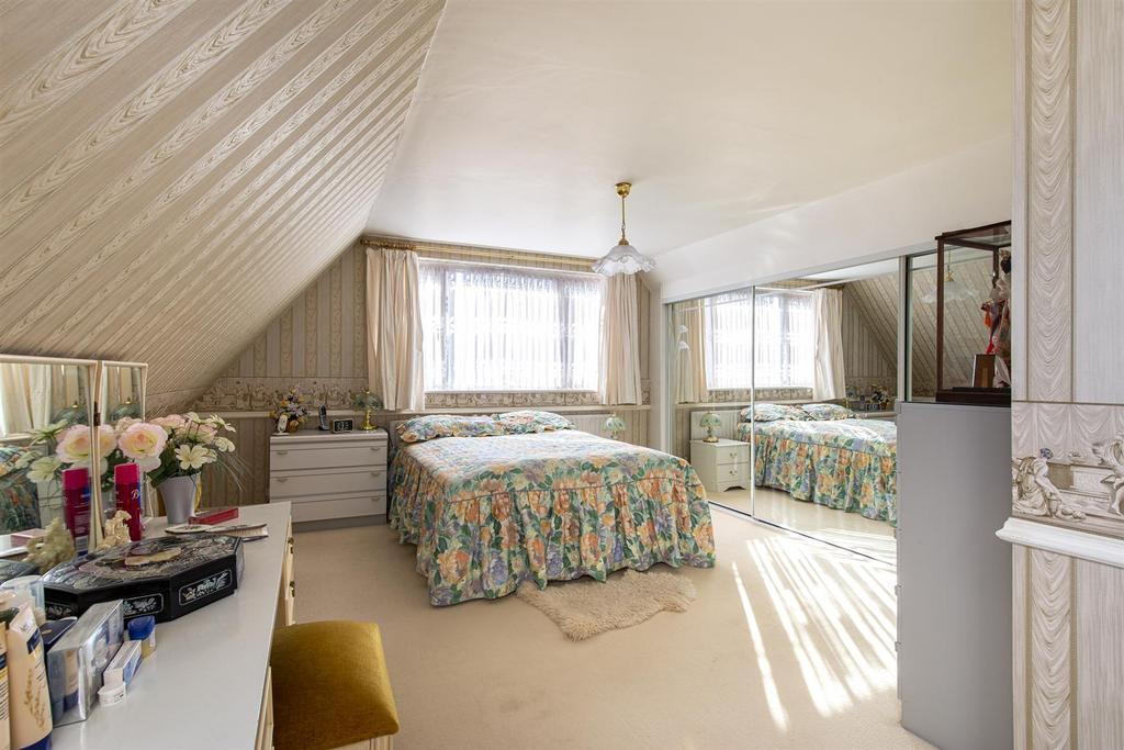 Hartlip Hill bedroom1b.jpg