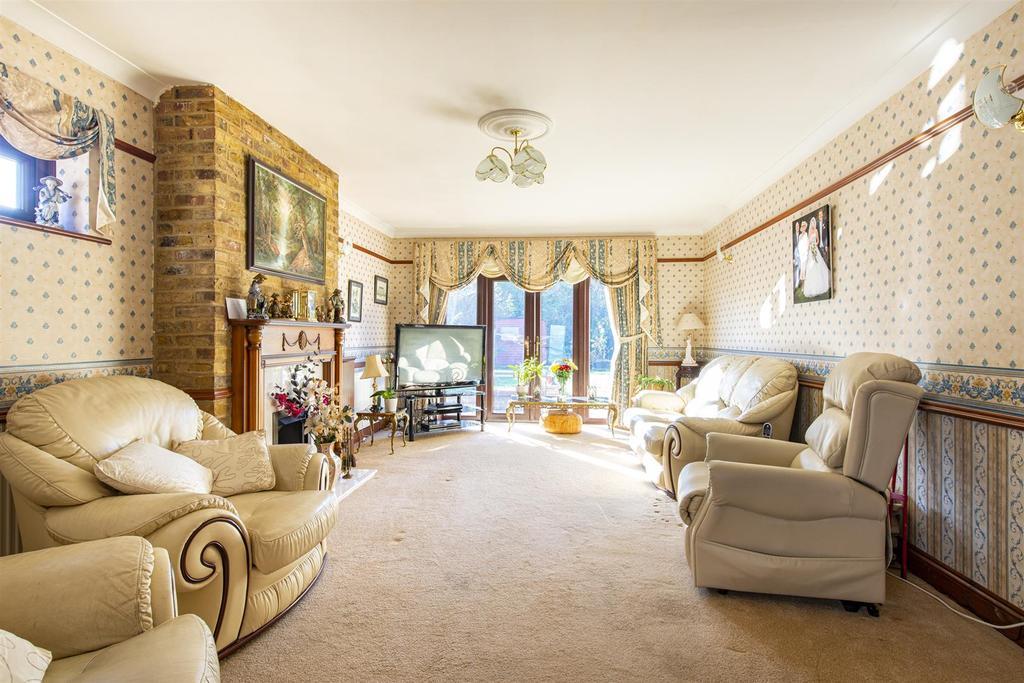 Hartlip Hill living room1a.jpg