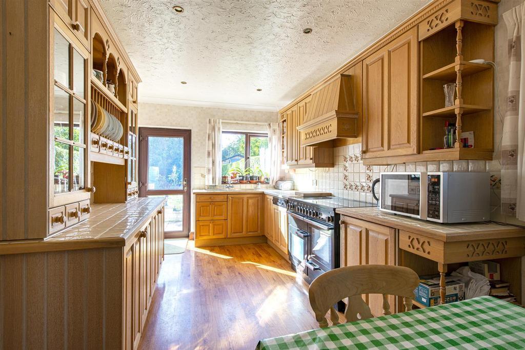 Hartlip Hill kitchen1a.jpg
